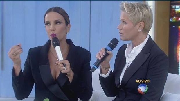 Ivete e Xuxa durante o programa: muita descontração | Foto: reprodução / TV Record