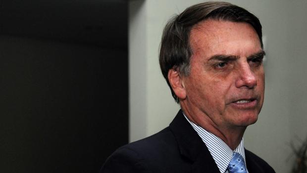 """Bolsonaro: """"Espero que Dilma saia. Infartada, com câncer, de qualquer jeito"""""""