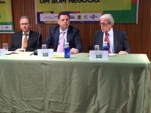 Marconi Perillo com o consul geral do Brasil em Madri