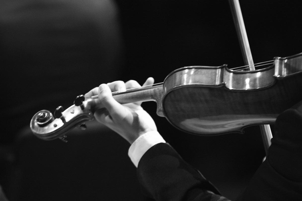 Filarmônica apresenta clássicos de Villa-Lobos no Basileu França