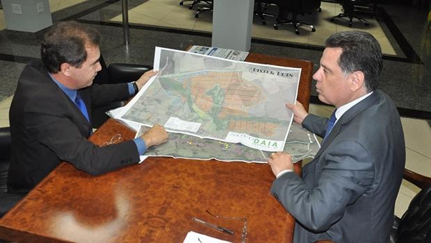 João Gomes e Marconi: proximidade na apresentação de projeto do Daia 2 | Prefeitura de Anápolis