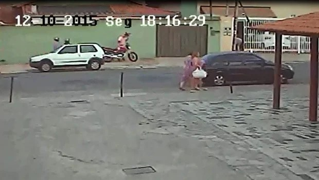 Trio assalta vereador da capital e faz família refém