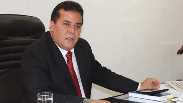 """Advogados """"empurram"""" Enil Henrique mas o presidente da OAB pode desistir da reeleição"""