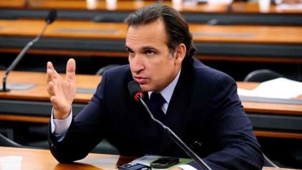 Deputado Hugo Leal entregou relatório com previsão maior de rombo das contas da União   Foto: Reprodução