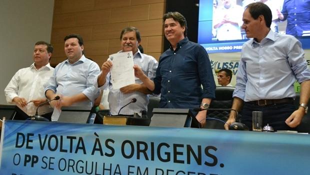 Vice-presidente do PP, Dr. Leonardo Vieira; presidente da Câmara, Iram Cabral; prefeito Juraci Martins; senador Wilder Morais; e deputado Lissauer Vieira   Foto: divulgação