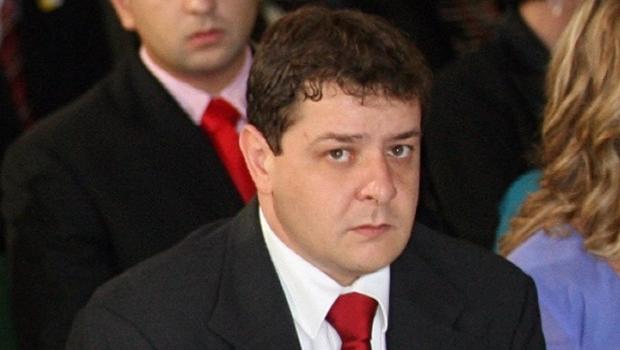 Delegado Waldir pede convocação de Lulinha na CPI da Petrobras