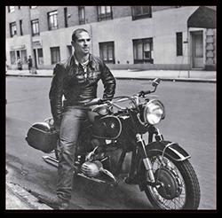 Oliver Sacks em sua BMW R60, em 1961: as motocicletas eram uma de suas grandes paixões