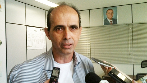 Secretario Paulo César Pereira em entrevista nesta segunda-feira (5/10) | Foto: Marcello Dantas / Jornal Opção