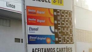 Postos de combustível de todo o estado têm de se adequar   Marcello Dantas