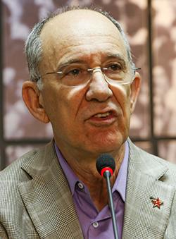 """Rui Falcão: em trabalho pela """"frente"""""""
