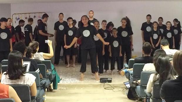 Apresentação do Cidade Livre Cia de Teatro, na UFG   Foto: Divulgação