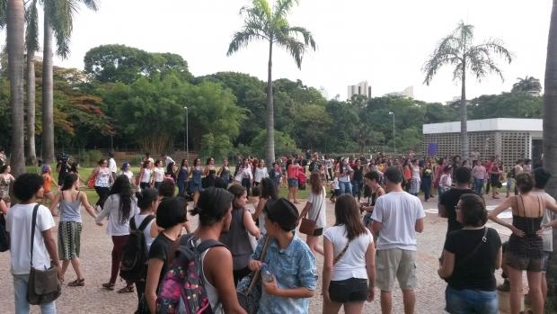 Protesto teve concentração na Alego | Foto: Marcelo Gouveia