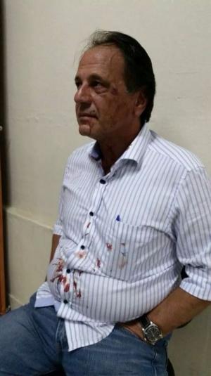 Adib Elias apanha de César da PC