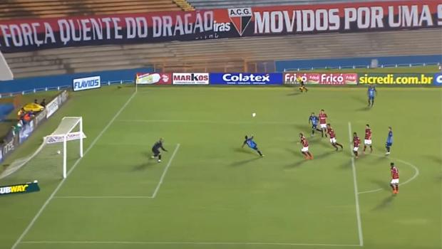 """Jogador """"desconhecido"""" de Goiânia concorre a prêmio da Fifa contra Messi e Tevez"""