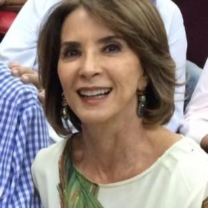 Raquel Teixeira rindo