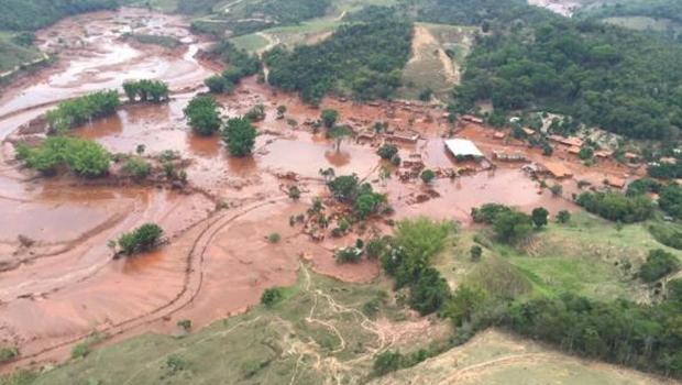 Área afetada pelo rompimento de barragem no distrito de Bento Rodrigues, zona rural de Mariana, em Minas Gerais | Corpo de Bombeiros/MG