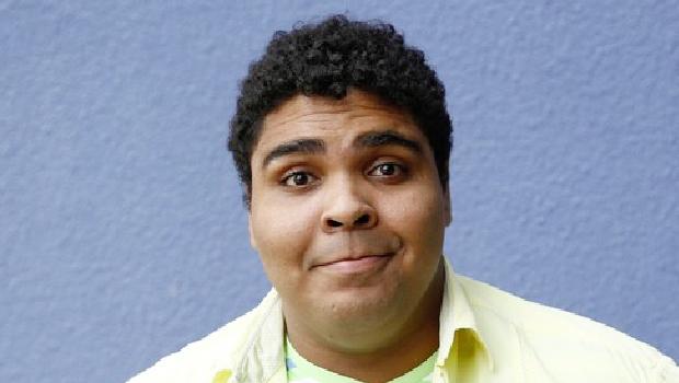 """Humorista Paulo  Vieira: """"Gosto de levar o público do riso ao choro e vice-versa"""""""