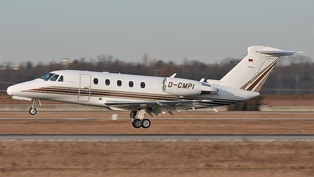 Avião cai na divisa de Goiás e Minas Gerais