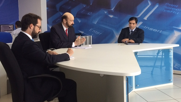 Sem Enil, Buonaduce e Lúcio Flávio participam de debate no programa Paulo Beringhs