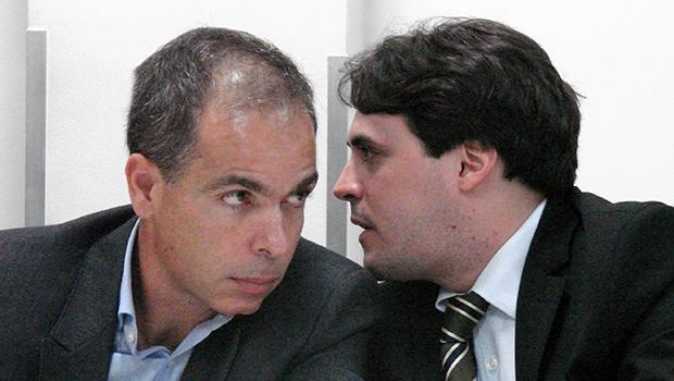 Empresário Dener Alvares Justino (esq), da Opus, durante depoimento | Marcello Dantas