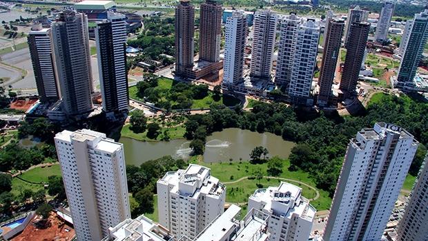 Imóveis em condomínios verticais e horizontais de alto padrão sofrerão reajuste maior no IPTU de 2016 | Foto: Fernando Leite/Jornal Opção