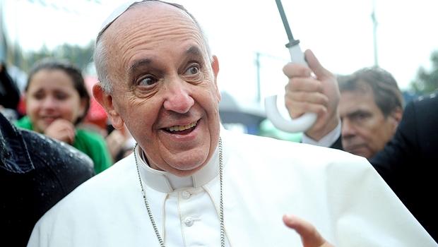 Para tirar o Brasil da crise, só Papa Francisco