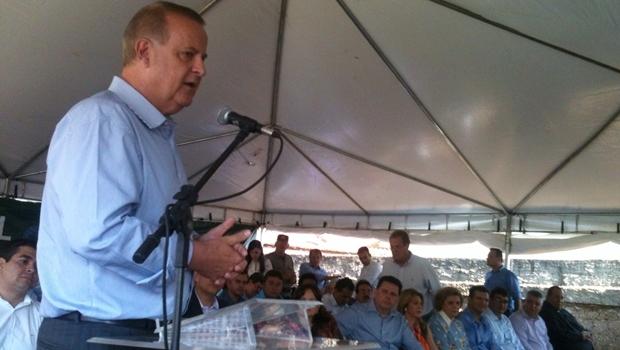 Prefeito Paulo Garcia discursa durante evento no Curitiba III | Foto: Marcello Dantas / Jornal Opção