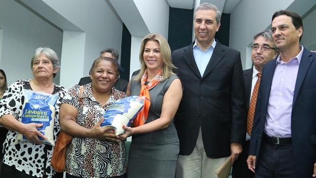 Governo repassa alimentos e destina R$ 3 milhões para próxima safra