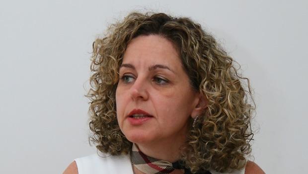"""Ana Carla Abrão, titular da Sefaz:""""Para 2016, vamos certamente parar de piorar, enquanto outros Estados continuam nessa tendência de queda"""""""