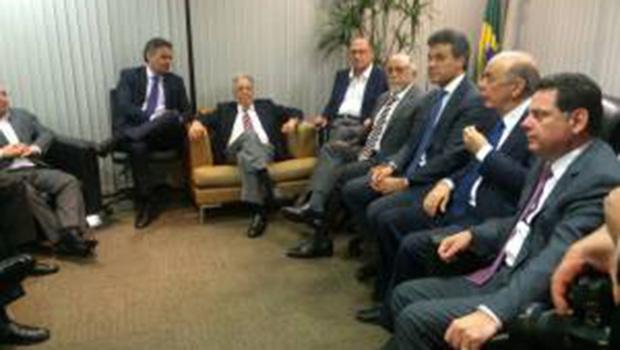 Alto tucanato discute posição firme e responsável a respeito da crise nacional