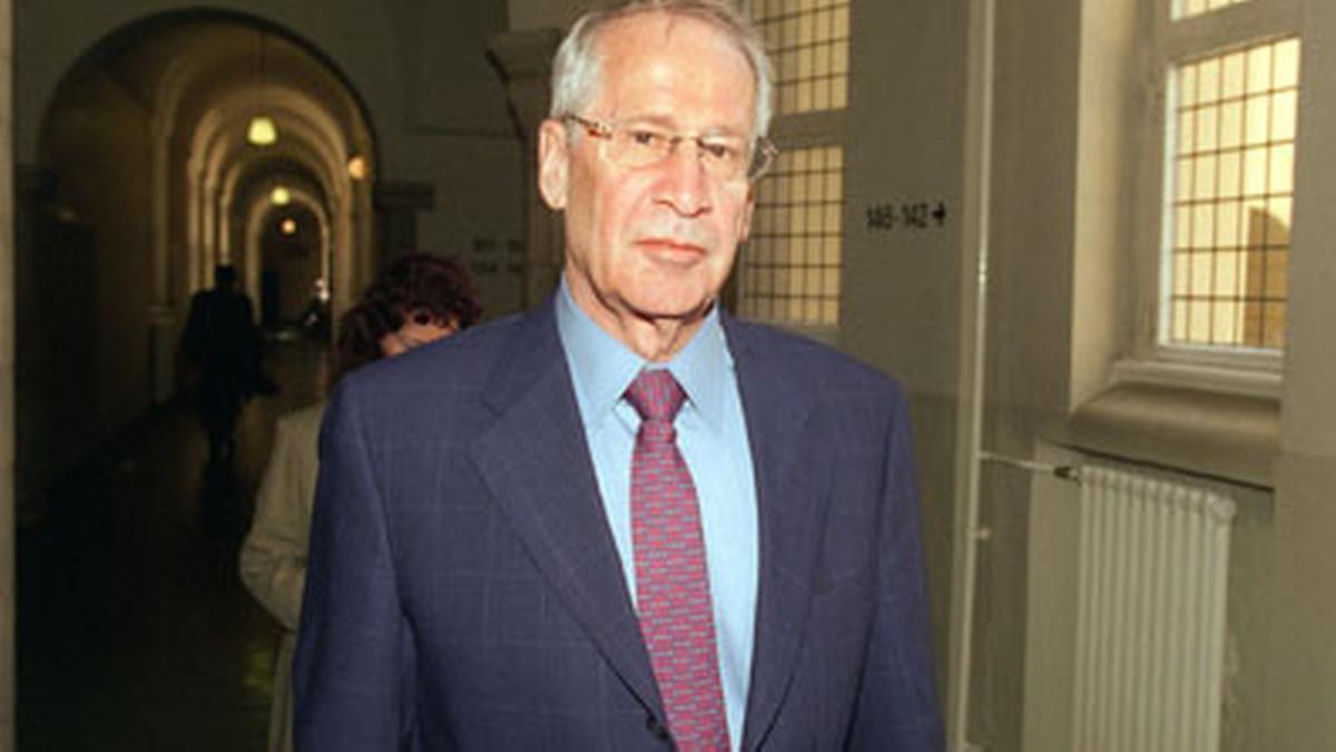 O dia em que Markus Wolf, o homem da Stasi, iludiu um agente cubano com a história do gogofone