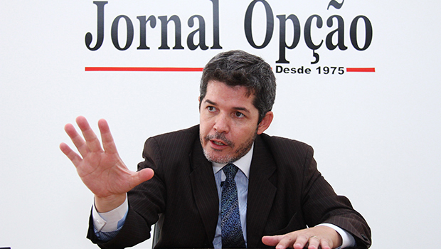 Delegado Waldir anuncia saída do PSDB