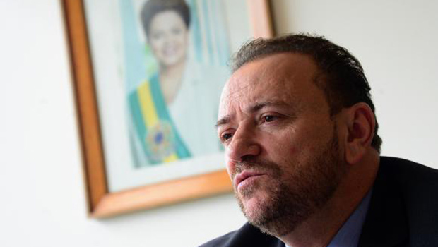 Governo está seguro sobre defesa de Dilma, diz Edinho Silva