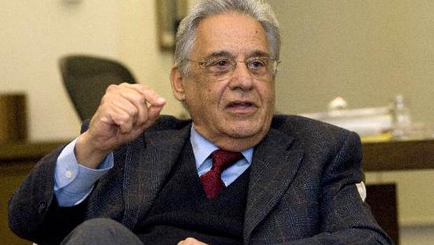 """""""Razões colocadas são suficientes para impeachment"""", diz FHC"""