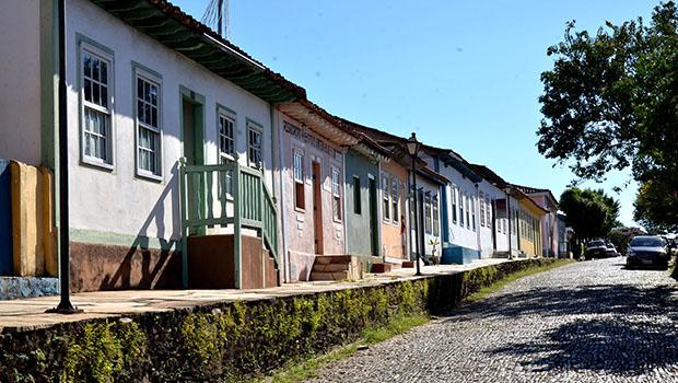 Festa Literária em Pirinópolis recebe a youtuber Kéfera e escritores renomados