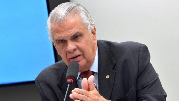 Araújo tentou marcar uma nova sessão para quinta-feira (3/12), mas alguns parlamentares alegaram compromissos em outras comissões e em seus estados, e a votação ficou para a próxima terça-feira (8). | Foto: Wilson Dias/ Agência Brasil