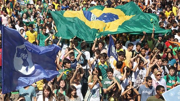 Estudantes que não se sentem representados pela UNE querem fundar uma nova organização, independente dos partidos políticos de esquerda   Divulgação/UNE