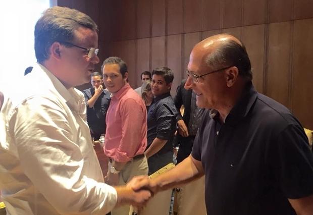 Zani cumprimenta Alckmin, em São Paulo | Foto: arquivo pessoal