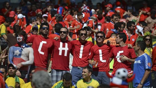 Alerta aos homofóbicos dos estádios: insultos rendem multas da Fifa