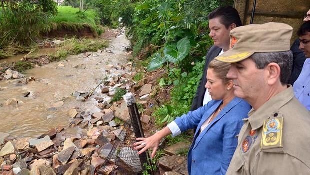 Depois de visitar Pirenópolis, primeira-dama anuncia ajuda à cidade e aos moradores atingidos pela enchente | Foto:  Governo de Goiás