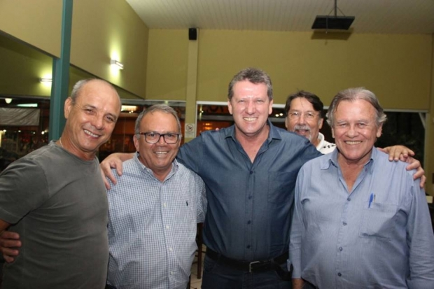 Vecci com históricos do PSDB encontro_historicos_vecci_psdb