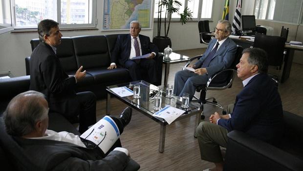 Em reunião na capital paulista, secretários de Goiás e São Paulo acertaram reabertura da hidrovia Paranaíba-Paraná-Tietê | Foto: Secima