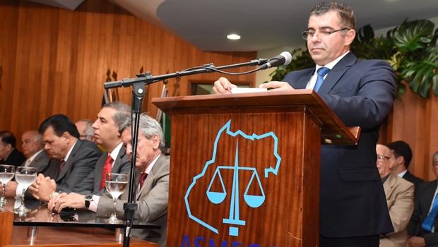 Juiz Wilton Müller Salomão assumiu neste domingo (31/1) a presidência da Associação dos Magistrados | Foto: Luciana Lombardi/Asmego