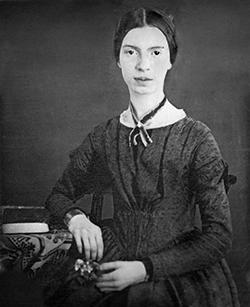 Na foto, a poeta Emily Dickinson tinha apenas 16 anos. O registro integra o acervo de Harvard lançado em 2013. Reclusa e tímida, a escritora de Amherst (EUA) viveu até os 55 anos