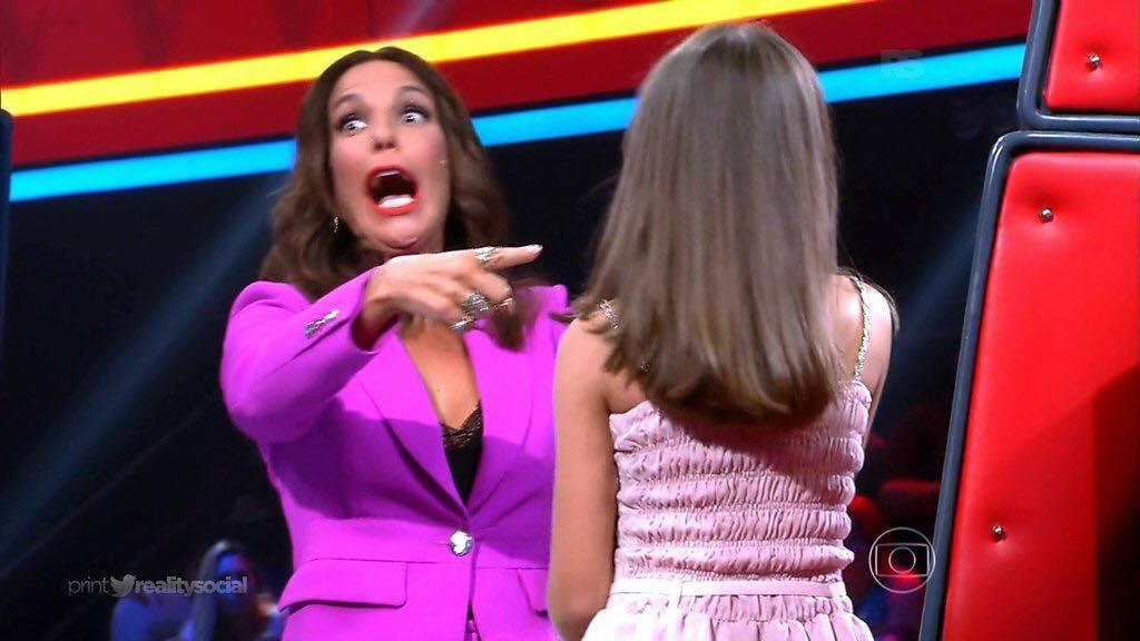 Candidata do The Voice Kids se confunde e chama Ivete Sangalo de Claudinha