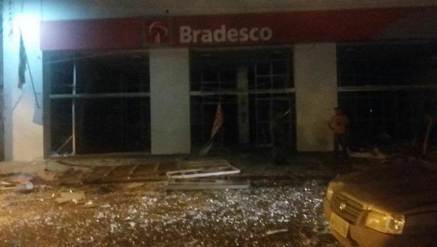 Agência do Bradesco depois da explosão de caixas eletrônicos | Foto: Reprodução/Twitter