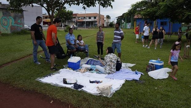 Piquenique e ocupação da praça: encontro de vizinhos serve para marcar posição em favor do uso do espaço da área verde | Foto: Divulgação