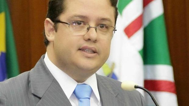 """Advogado Wandir Allan de Oliveira:""""Arremedo de reforma política"""""""
