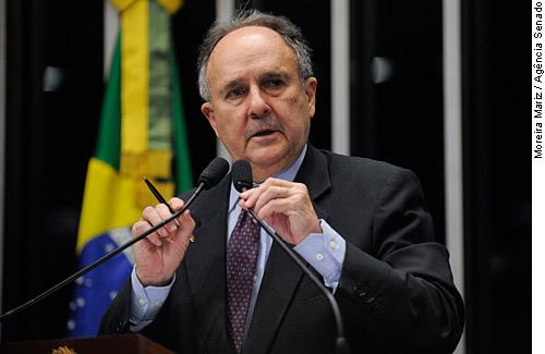 Senador Cristovam Buarque não deve ser reeleito em Brasília. Leila do Vôlei e Izalci Lucas lideram