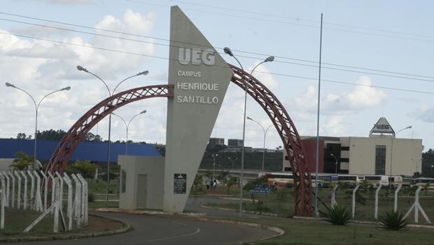 UEG abre vagas para transferência de cursos, reingresso e portadores de diploma